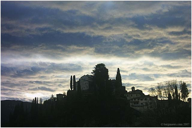 Photograph of Barga by Paesaggi Tina