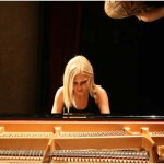 {barganews} Vanessa Benelli Mosell plays Stockhausen