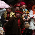 {barganews} A damp Befana arrives in Barga