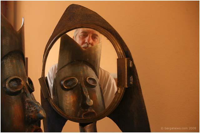 mario bargero sculpture exhibition in barga 2009004