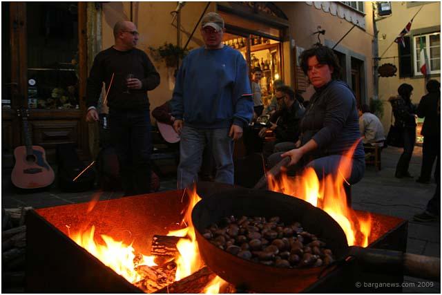 roast chestnuts in barga 2009018