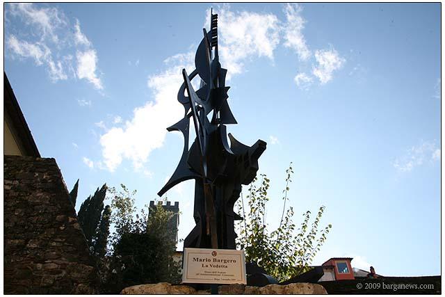 mario bargero sculpture in barga 20091107_0461